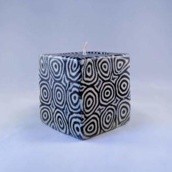 Swirl pattern candles