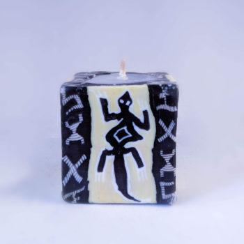 Mini cube gecko candle