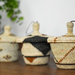 3 Small storage baskets with lids